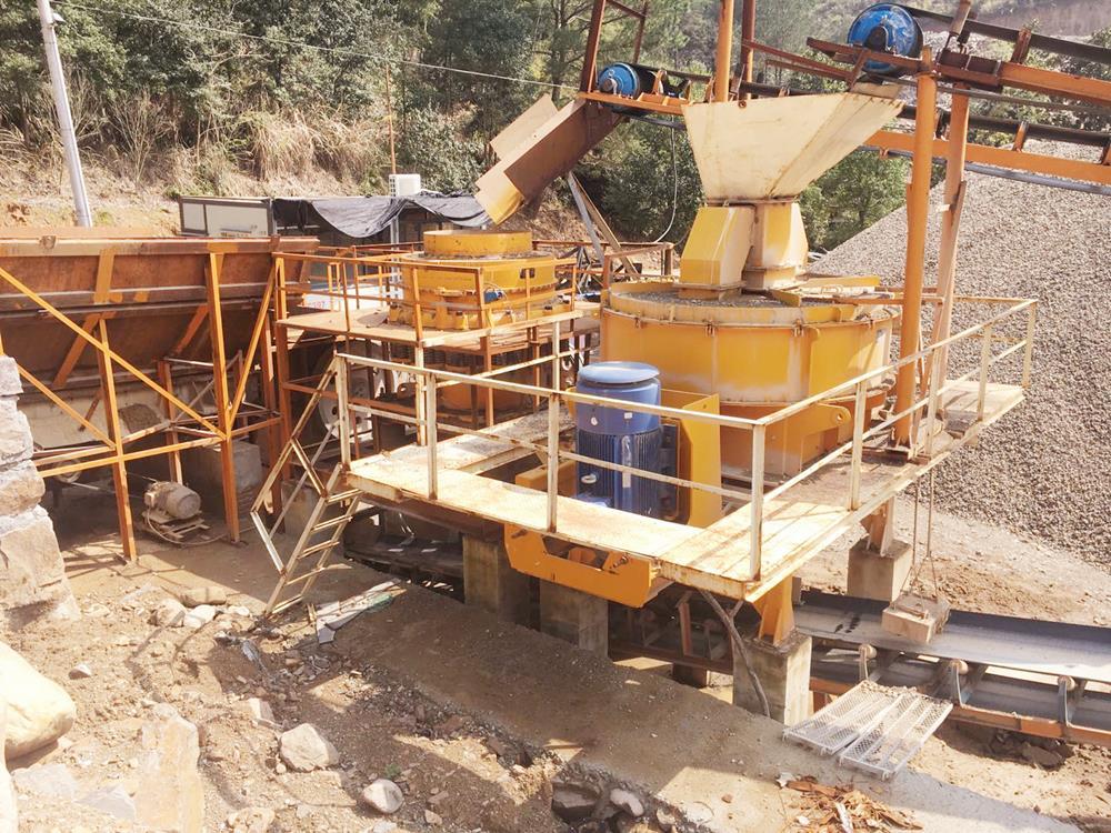 制砂机进料管衬的调整和更换步骤,附图