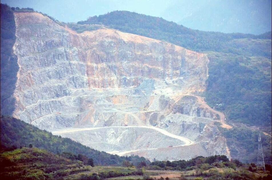 安徽池州:露天开采矿山剥离物中砂石土矿产资源有偿处置试点启动