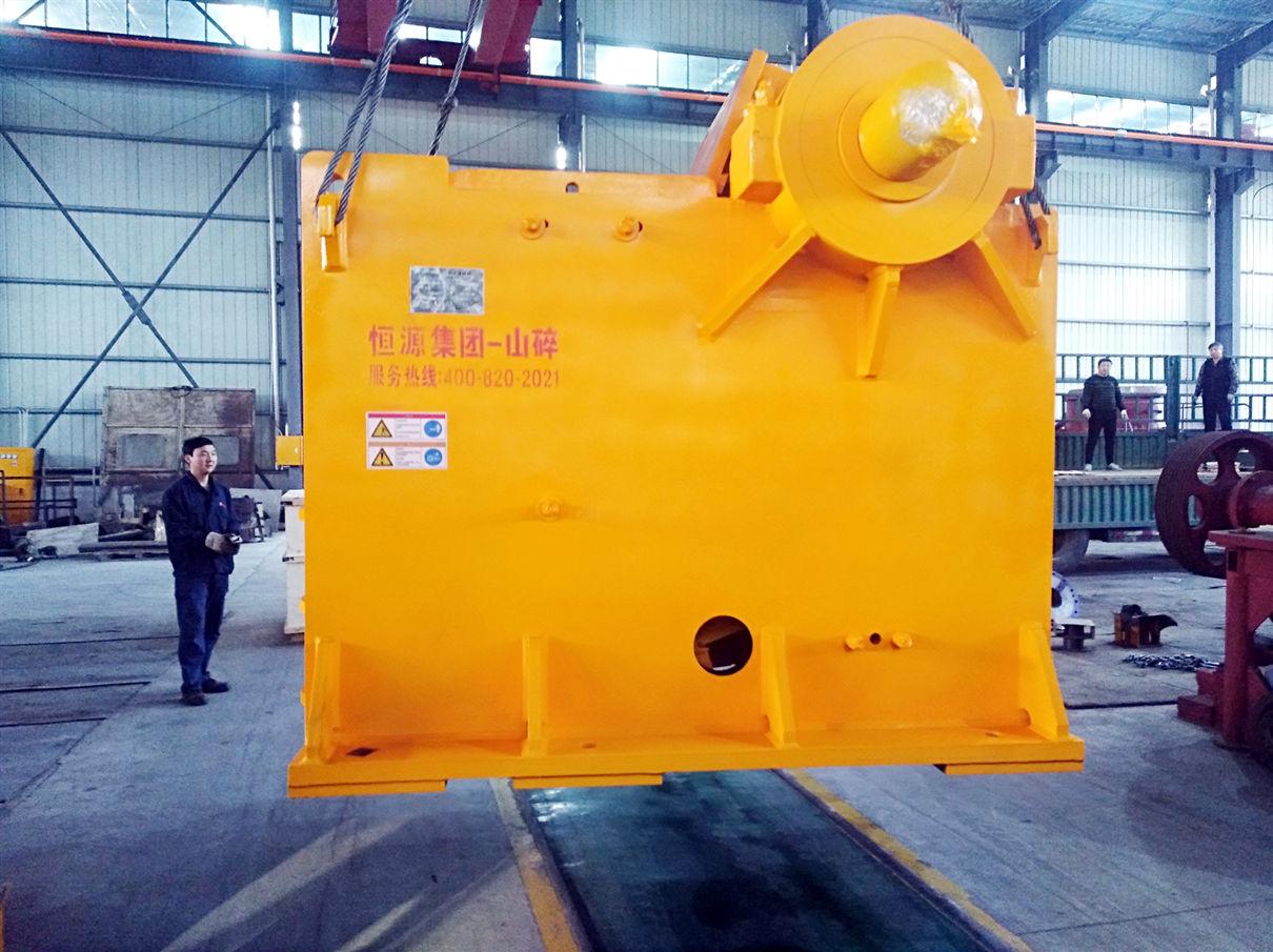 时产200吨PE750*1060颚式破碎机发货至四川