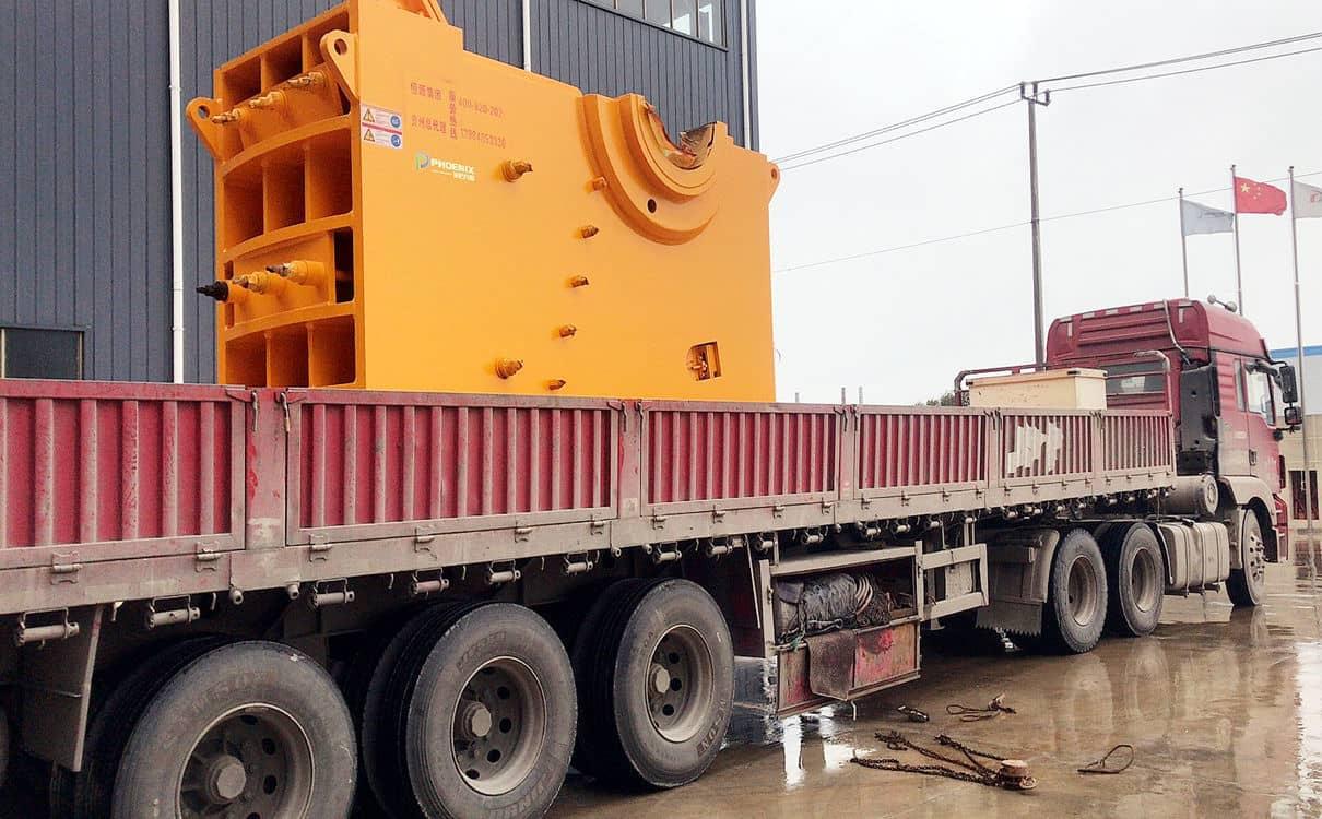 時產350噸(dun)PE1000*1200顎(e)式(shi)破碎機發貨至貴州