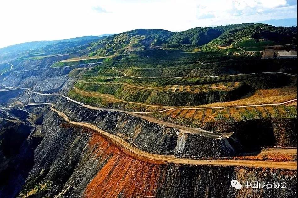 <b>80%的矿山都退出!先关露天矿,再关地下矿!</b>