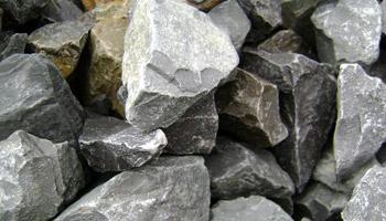 【石英石】建筑用砂,人工制砂生产线现场石英石可以做建筑用砂吗