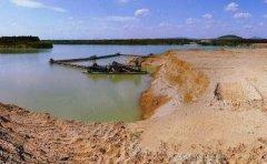 """石梁河水库是非法采砂的""""顽疾"""",其水质已达到三项水质标准"""